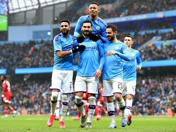 Bóng đá Anh tối 27/3: Man City vẫn trả lương cho nhân viên
