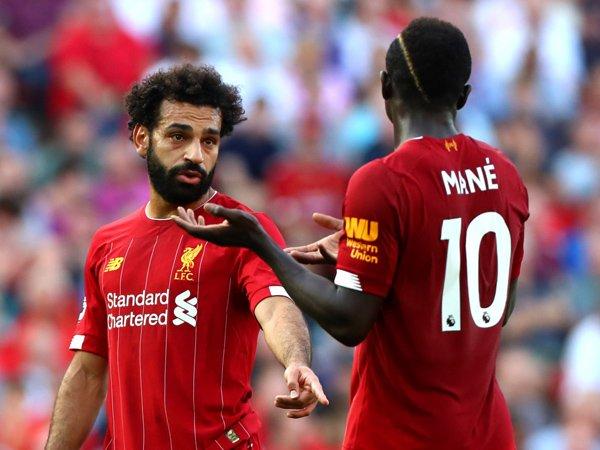 Bóng đá Anh 16/4: Liverpool lỡ cơ hội vượt mặt MU vì Covid-19