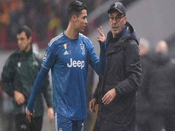 Juventus vỡ mộng ăn 3: HLV Sarri chỉ trích Ronaldo