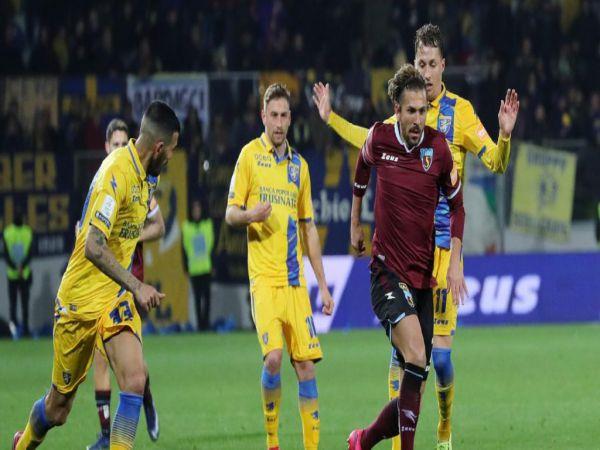Soi kèo Frosinone vs Salernitana, 03h00 ngày 17/12 - Hạng 2 Italia