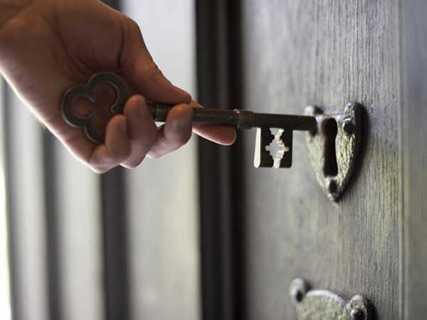 Nằm mơ thấy ổ khóa có điềm báo tốt xấu thế nào