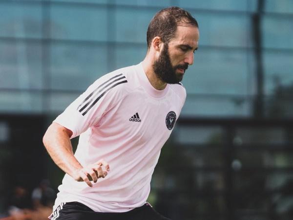 Thông tin tiểu sử cầu thủ Gonzalo Higuain và sự nghiệp của anh