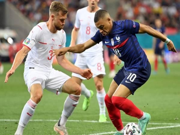 Tin bóng đá QT 2/7: Fan 'Gà trống' đòi đá lại trận Pháp vs Thụy Sĩ